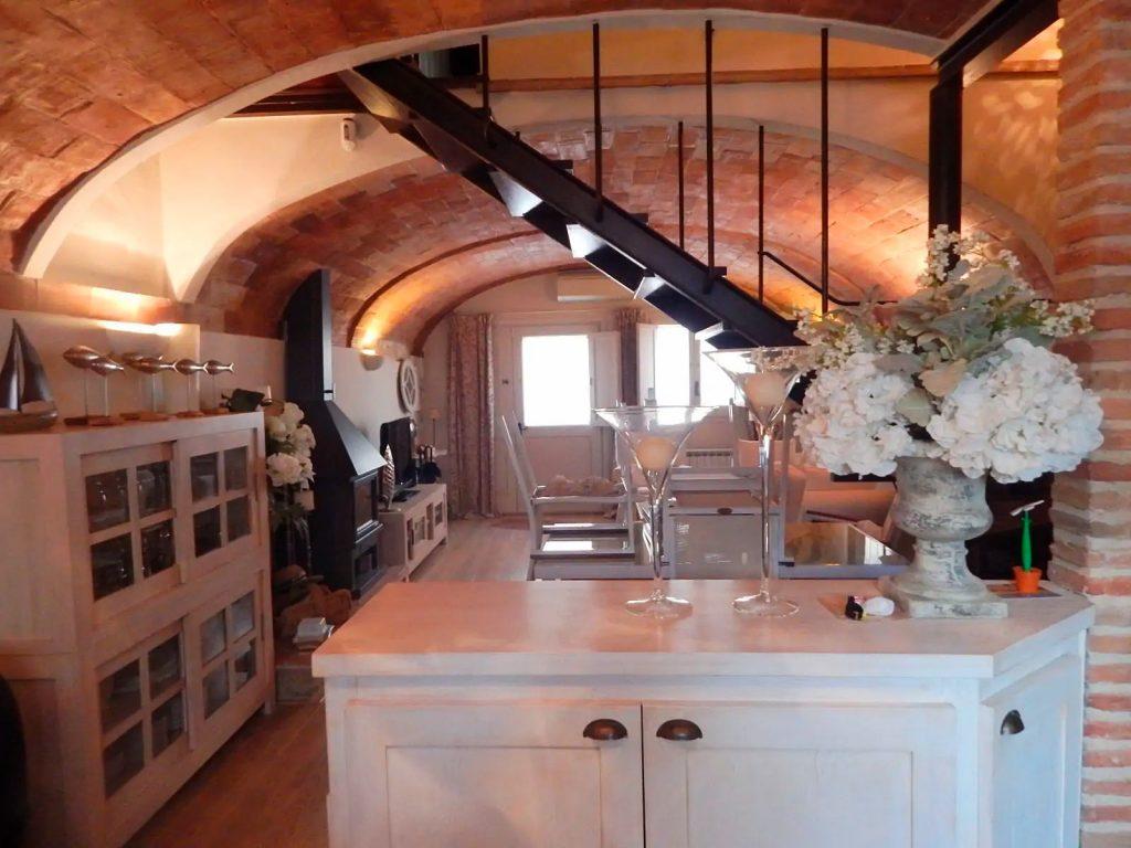 Begur, Casa de poble restaurada amb molt bon gust ubicada al centre