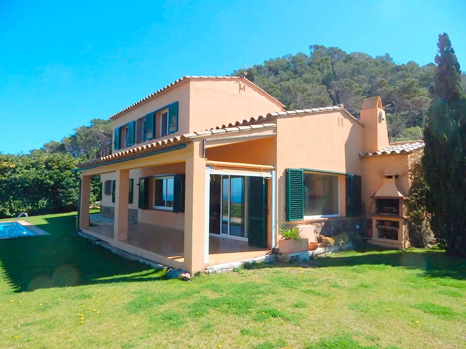 Begur, Casa unifamiliar, privada, amb magnífiques vistes al mar i piscina