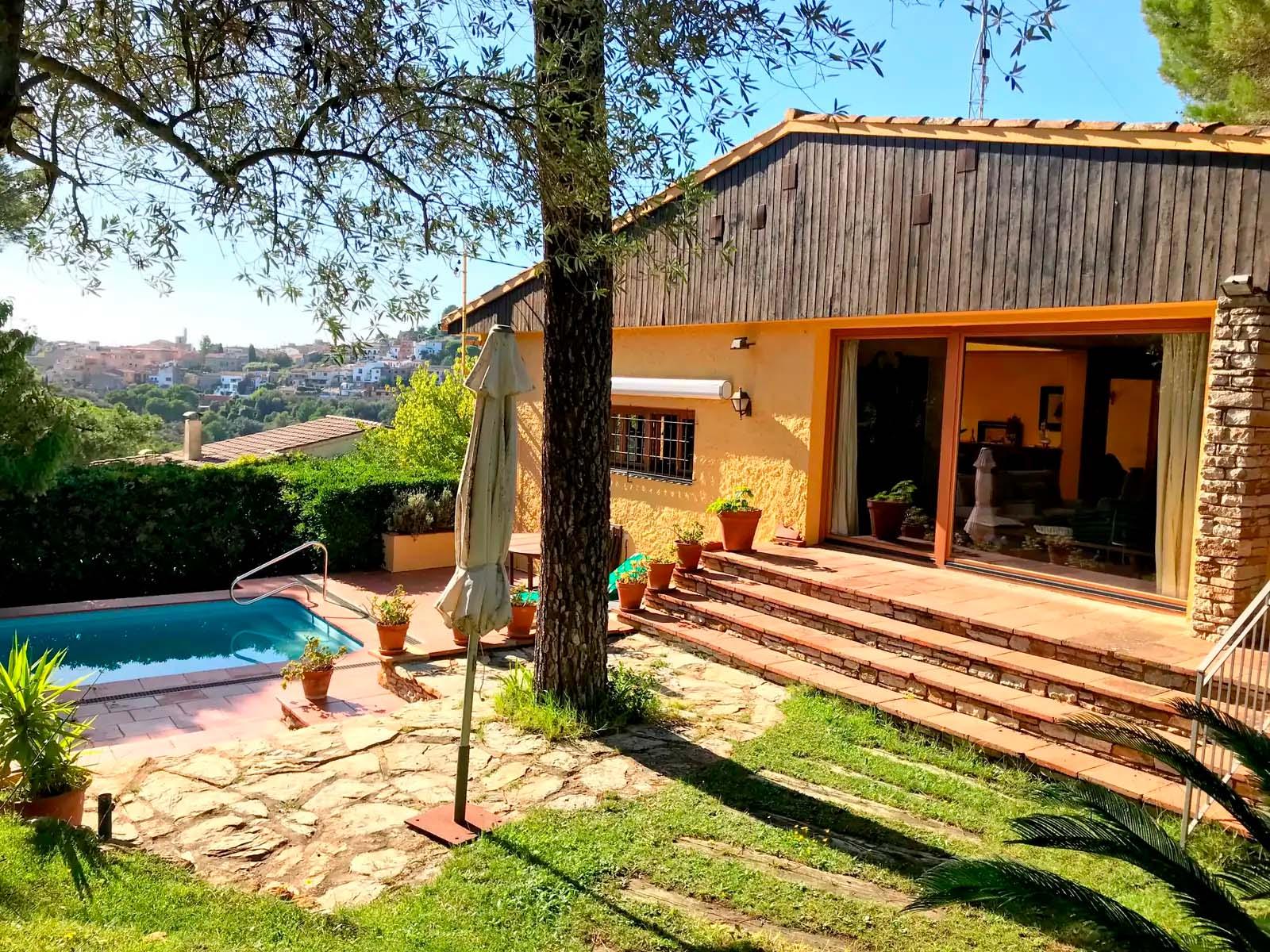 Begur, Agradable i àmplia casa unifamiliar a prop del poble amb piscina privada i garatge